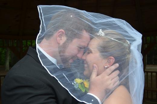 Cảm động trước tình cảm của chồng dành cho cô vợ mất trí nhớ