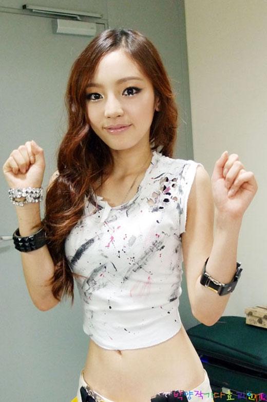 Ghen tị với những vòng eo không thể nhỏ hơn của mỹ nhân Kpop