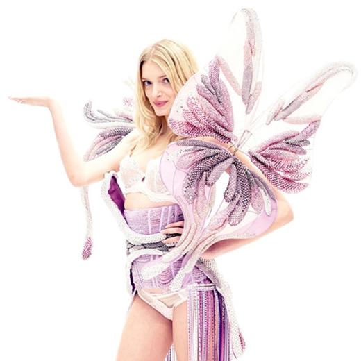 Kha Mỹ Vân bất ngờ trình diễn cho nhà thiết kế tài năng của Victoria's Secret