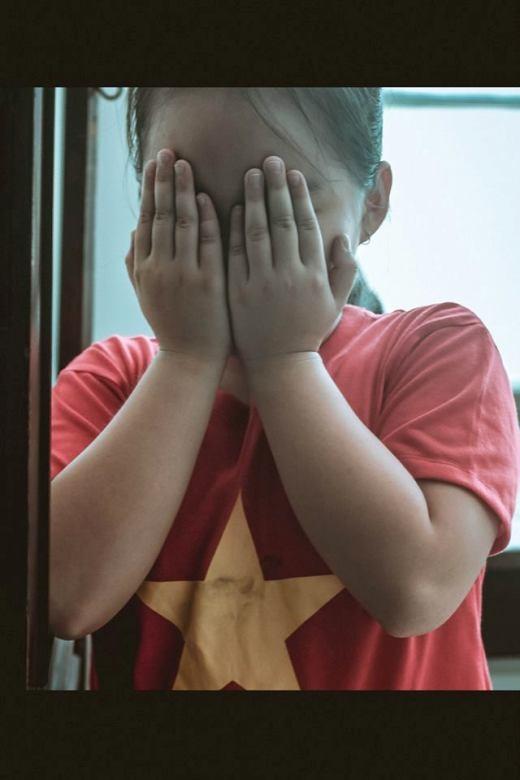 Giật mình trước bộ ảnh bạo lực gia đình đáng suy ngẫm