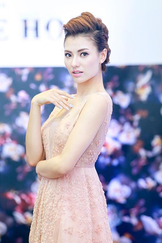 Hồng Quế ngày càng xinh đẹp, rạng rỡ - Tin sao Viet - Tin tuc sao Viet - Scandal sao Viet - Tin tuc cua Sao - Tin cua Sao