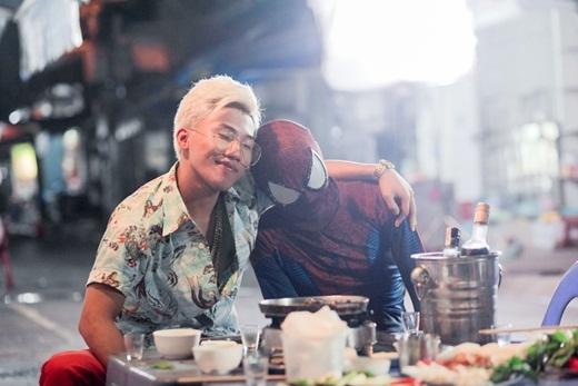 Hoá búp bê siêu nhân, Hòa Minzy thích thú kể về ẩm thực Hà Nội - Tin sao Viet - Tin tuc sao Viet - Scandal sao Viet - Tin tuc cua Sao - Tin cua Sao