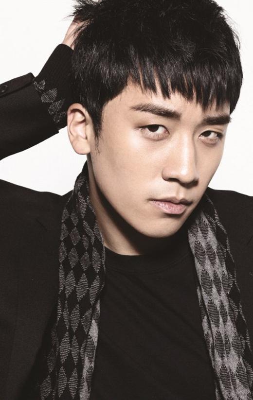 Cũng như Heechul và Leeteuk, cậu út Big Bang - Seungri từng vướng vào vụ tai nạn với 3 chiếc xe hơi tại Thượng Hải. Được biết, một fan cuồng đã tự thuê chiếc xe tải đuổi theo Seungri và đâm vào xe vệ sĩ của anh. Sau đó, chiếc xe của vệ sĩ đâm vào xe của Seungri khiến anh chịu một số chấn thương.