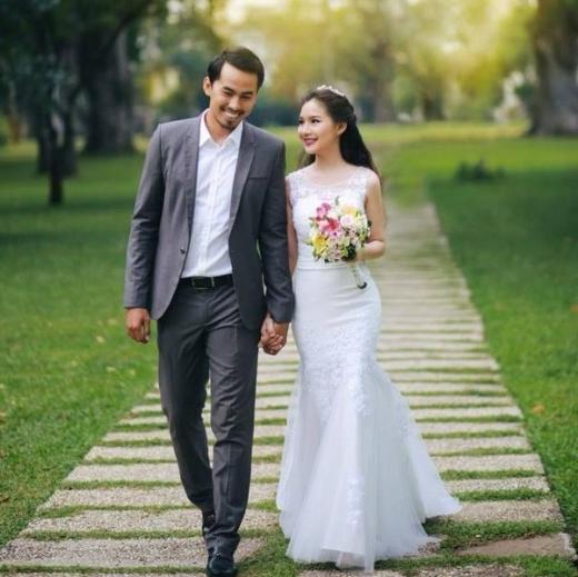 Ảnh cưới của Duy Nhân khiến nhiều người giờ nhìn vào không khỏi cảm thấy xúc động. - Tin sao Viet - Tin tuc sao Viet - Scandal sao Viet - Tin tuc cua Sao - Tin cua Sao