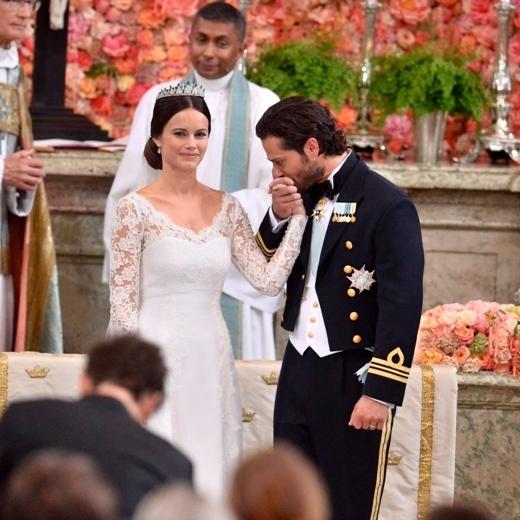 Hoàng tử trong đám cưới với cựu người mẫu vào tháng 6 vừa rồi.