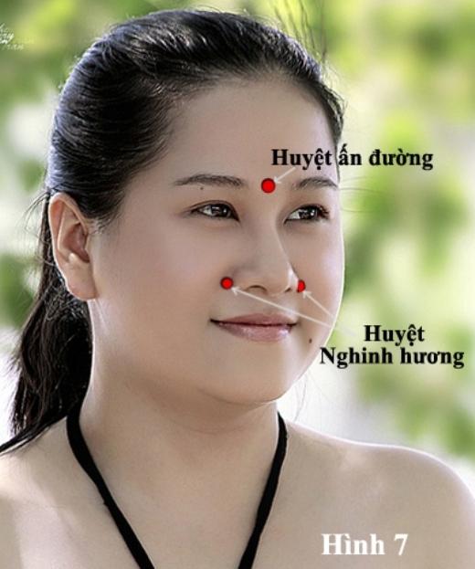 Bất ngờ mẹo chữa ho, sổ mũi bằng những động tác cực đơn giản