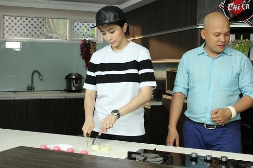 Gil Lê ghiền ăn chè, Hòa Minzy đảm đang vào bếp