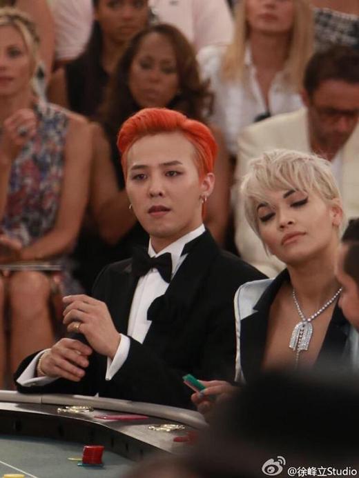 G-Dragon bảnh trai hết chỗ chê bên con gái của Johnny Depp