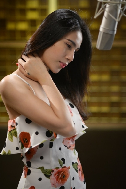 Thủy Tiên chịu chơi quay MV ngay tại biệt thự triệu đô của mình - Tin sao Viet - Tin tuc sao Viet - Scandal sao Viet - Tin tuc cua Sao - Tin cua Sao