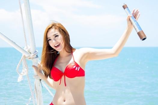 """Minh Hằng diện bikini nóng bỏng, """"đốt cháy"""" người đi đường - Tin sao Viet - Tin tuc sao Viet - Scandal sao Viet - Tin tuc cua Sao - Tin cua Sao"""