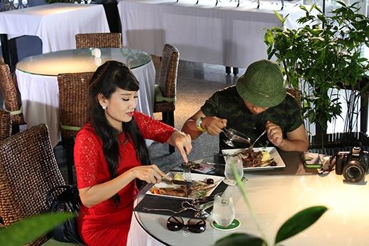 Đích thân trổ tài nấu ăn và mời bạn thân đến nhà hàng Acacia Veranda của đầu bếp Jack Lee cùng dùng bữa