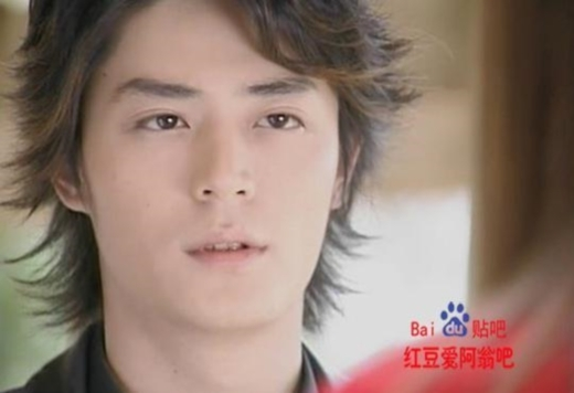 Thời điểm tham gia Chuyện Tình Biển Xanh, tôn thượng Hoắc Kiến Hoa chỉ là chàng trai mới 25 tuổi và đang loay hoay tìm đường nổi tiếng.