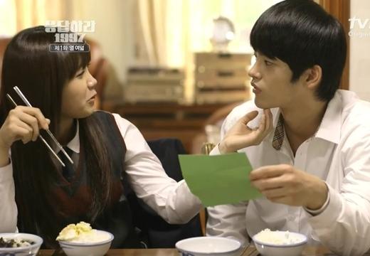 Điểm mặt 5 cặp đôi cạ cứng phải lòng nhau trong phim Hàn
