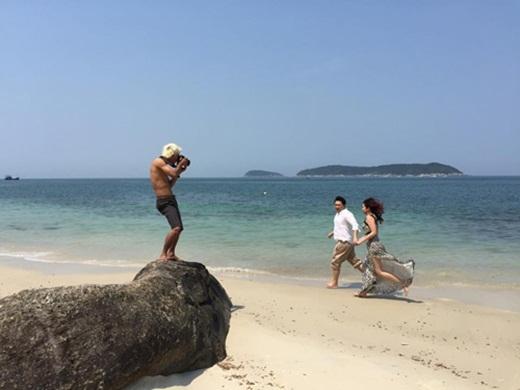 Tranh thủ tắm nắng khi đang làm việc (nguồn: facebook Hai LeCao)