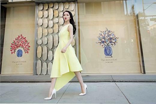 Mùa mốt Xuân - Hè 2015 cũng chứng kiến sự lên ngôi của phom váy mullet khi được nhiều nhà mốt tích cực lăng xê.