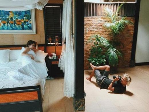 Cô dâu cũng không nằm đẹp được như anh ấy (nguồn: facebook Hai LeCao)