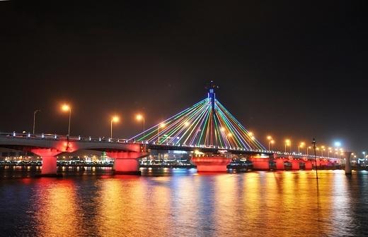 Cầu Sông Hàn - một biểu tượng của xứ Đà.