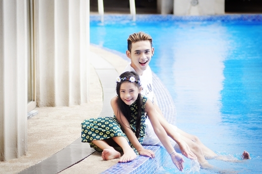"""Cặp đôi """"anh trai - em gái"""" Việt cực đáng yêu trong bộ ảnh vui chơi hè"""