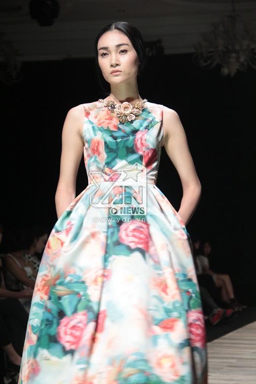 """Thương hiệu Việt dính nghi án """"đạo"""" ý tưởng trình diễn của Dolce and Gabbana"""