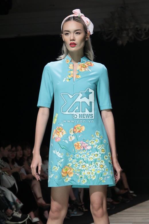 Những chiếc khăn turban hay khăn trùm đầu với chất liệu voan lụa nhẹ nhàng như những cơn gió đầu thu càng làm tăng thêm sự mới lạ, độc đáo nhưng không làm mất đi vẻ nữ tính, điệu đà cho các mẫu thiết kế.