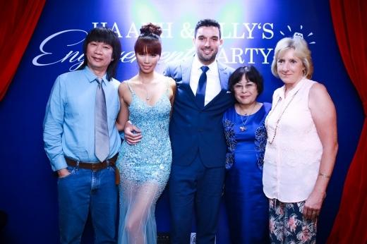 Mẹ của Olly Dowden (chồng Hà Anh) cũng đã từ Pháp bay sang Việt Nam chuẩn bị đám cưới cho con trai. - Tin sao Viet - Tin tuc sao Viet - Scandal sao Viet - Tin tuc cua Sao - Tin cua Sao