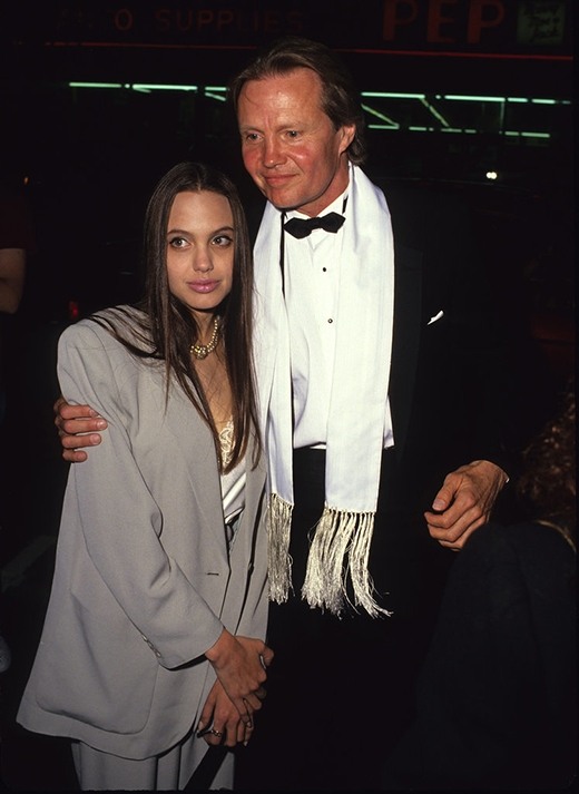 Angelina Jolie năm 1990