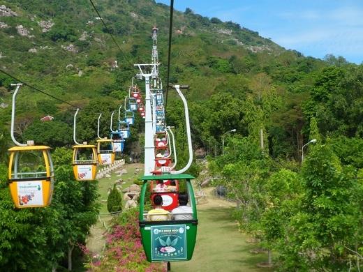 Hệ thống cáp treo tiện dụng ở núi Bà Đen