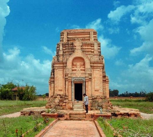 Tháp Chót Mạt đậm đà bản sắc nền văn hóa Óc Eo một thời.