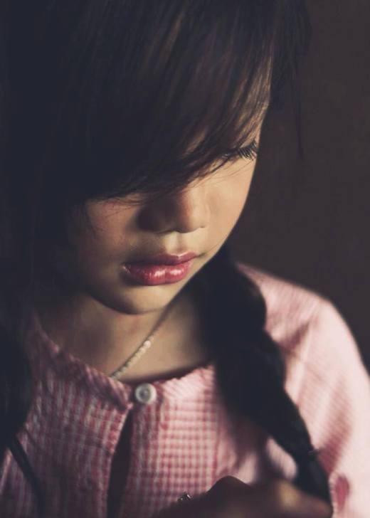 Cô bé được đánh giá rất hợp với những bức ảnh buồn.