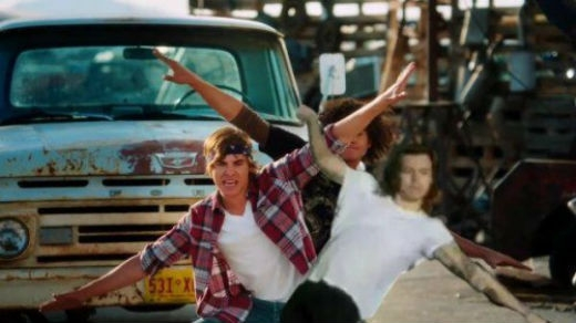 Harry và Zac Effron trong High School Musical.