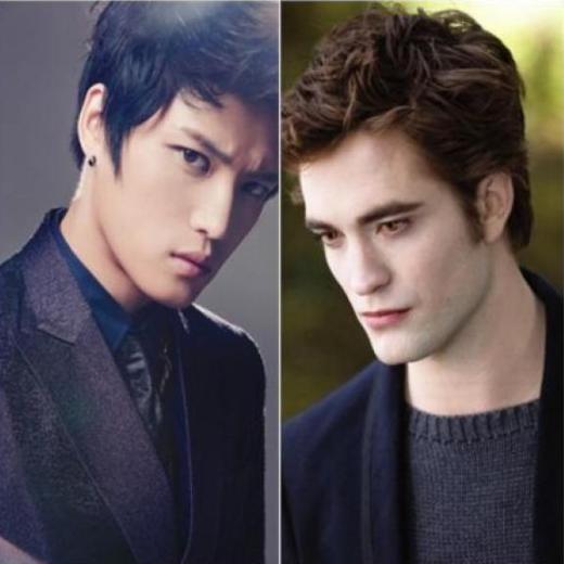 Gương mặt lạnh lùng cùng đôi mắt khói giúp Jaejoong trông hệt như chàng ma cà rồng quyến rũ Edward Cullen trong series Twilight: The Saga.