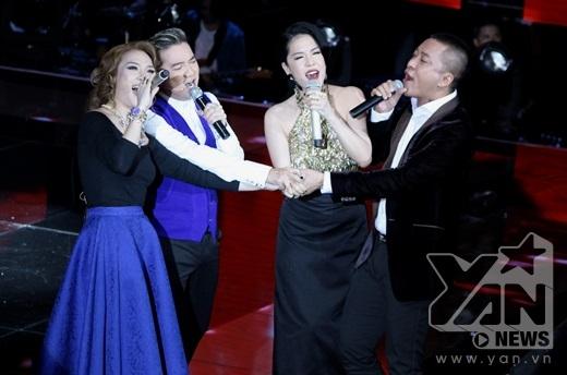 """Màn mở đầu sôi động và ấn tượng của 4 vị HLV đã làm """"nóng"""" sân khấu Giọng hát Việt 2015. - Tin sao Viet - Tin tuc sao Viet - Scandal sao Viet - Tin tuc cua Sao - Tin cua Sao"""