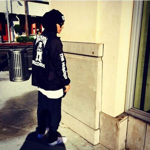 """Justin Bieber nhận lỗi, vội gỡ bỏ ảnh """"tồng ngồng"""""""