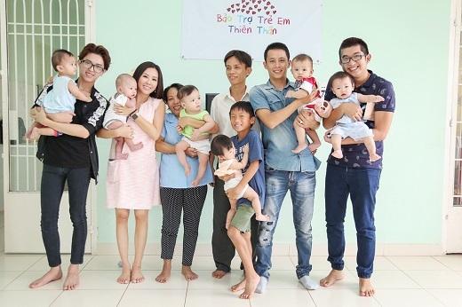 Bên cạnh đó, Hoa hậu Thu Hoài kêu gọi thêm sự giúp đỡ của các mạnh thường quân và nhà hảo tâm cùng nhau chung sức để giúp các em bé có hoàn cảnh đặc biệt tại đây. - Tin sao Viet - Tin tuc sao Viet - Scandal sao Viet - Tin tuc cua Sao - Tin cua Sao
