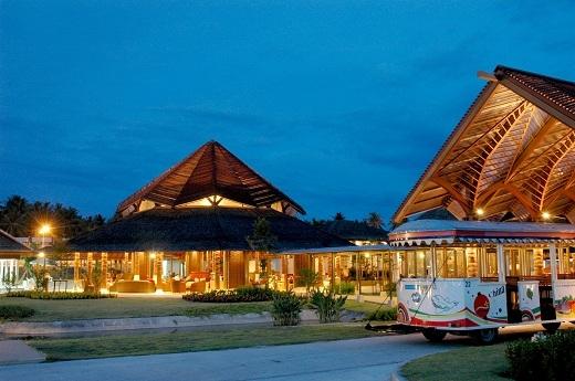 Sân bay Koh Samui lung linh về đêm như một khu resort.