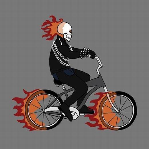 Ghost Rider di chuyển bằng xe máy là chủ yếu, nhưng khi đi xe đạp cũng phải có lửa.