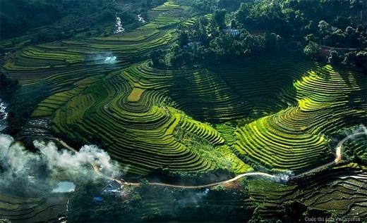Khu ruộng bậc thang nằm gần một bản nhỏ trên vùng cao Bát Xát – Lào Cai.