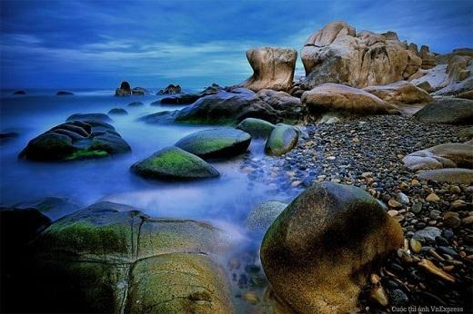 Một góc biển Cổ Thạch, Bình Thuận huyền ảo như tranh 3D.