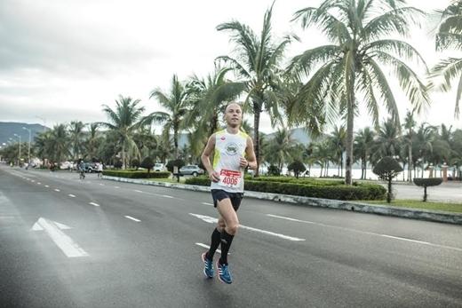Chạy vì hòa bình tại cuộc thi Marathon Quốc tế Đà Nẵng 2015