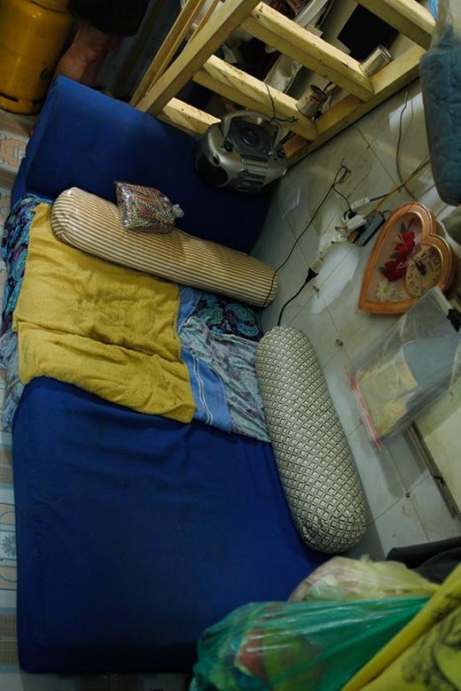 Chỗ ngủ của nhạc sĩ Vinh Sử.