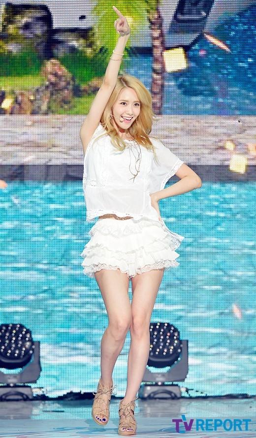 Ngán ngẩm trang phục ngày càng ngắn của nhóm nhạc nữ Kpop
