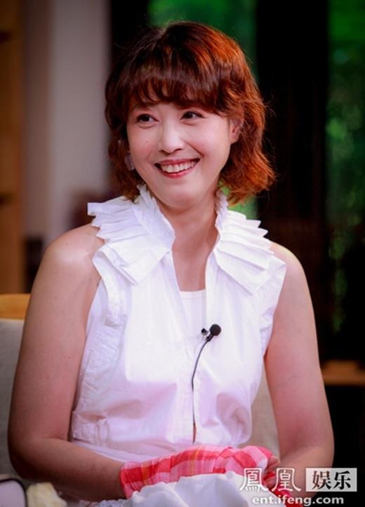 Người đẹp U50 Châu Hải My tự ti vì hàm răng, công khai gia thế hiển hách