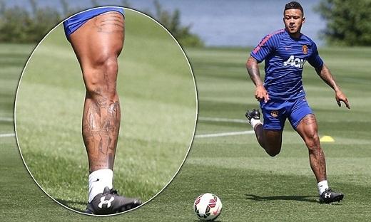 """Tân binh M.U khoe bắp đùi """"khủng"""" không kém C.Ronaldo"""