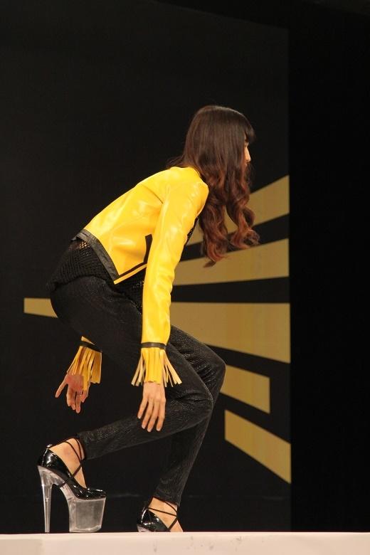 Thí sinh nữ cao 1m90 của Next Top Model chính thức tranh tài tại ngôi nhà chung