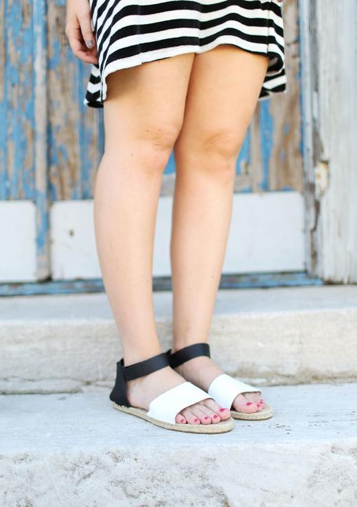 Chất lừ với đôi giày đi biển tự chế cực đơn giản