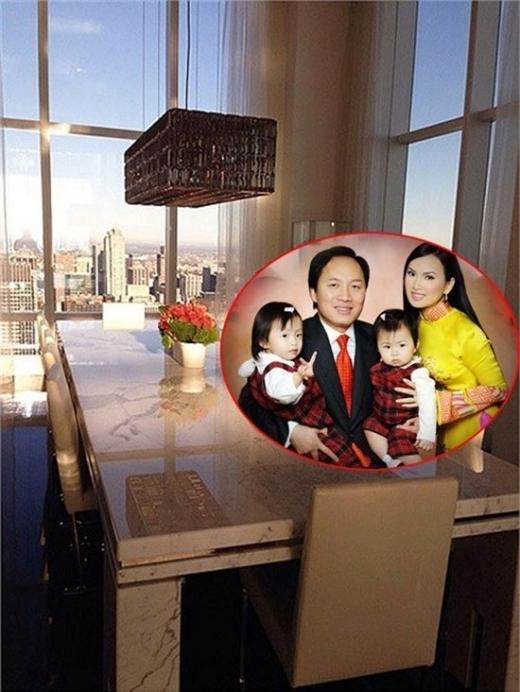 Em gái Cẩm Ly - ca sĩ Hà Phương là một trong những sao Việt sở hữu 'cơ ngơi' được coi là đồ sộ nhất. Ông xã của Hà Phương là tỉ phú Chính Chu - sở hữu khối bất động sản khổng lồ và hai vợ chồng ở trong căn hộ penthouse tọa lạc tại tòa tháp nổi tiếng đắt đỏ Trump World Tower. - Tin sao Viet - Tin tuc sao Viet - Scandal sao Viet - Tin tuc cua Sao - Tin cua Sao