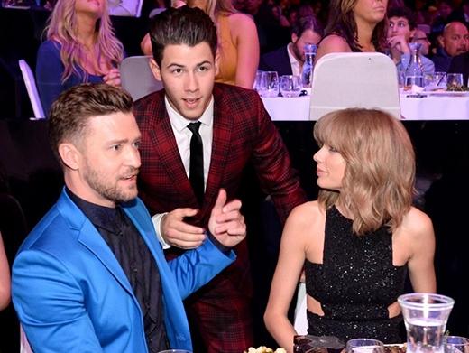 Nick Jonas tiết lộ về mối tình của Taylor Swift và Joe Jonas