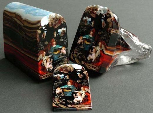 Nghệ thuật hội họa đỉnh cao từ thủy tinh. Một lát cắt như thế này có giá lên tới 5000 USD, tức hơn 100 triệu đồng đấy nhé!