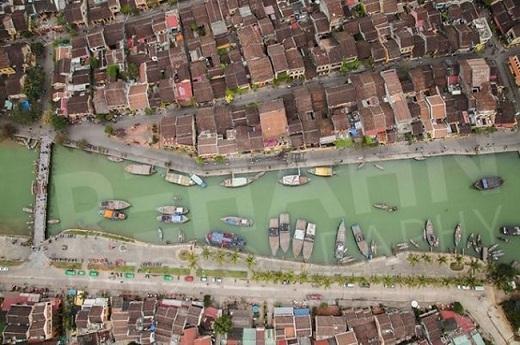 Bức ảnh chụp từ không trung này ghi lại một vẻ đẹp chưa từng được khám phá trước đây của Hội An.