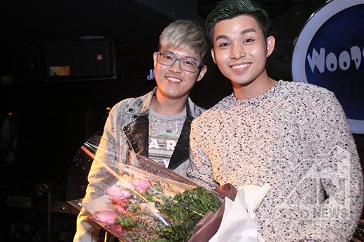 Nhà văn trẻ Anh Khang cũng đến chúc mừng sinh nhật của Jun (365). - Tin sao Viet - Tin tuc sao Viet - Scandal sao Viet - Tin tuc cua Sao - Tin cua Sao
